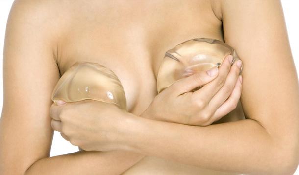 Aumento del seno, gli impianti di protesi mammarie
